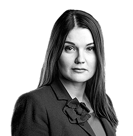 Karina Matvejeva : Senior lawyer